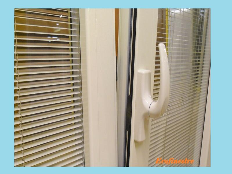 Novit finestre con veneziane incorporate ecofinestre serramenti e infissi in legno alluminio - Finestre con tapparelle ...