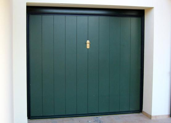 Basculanti per garage ecofinestre serramenti e infissi - Portoni garage con finestre ...