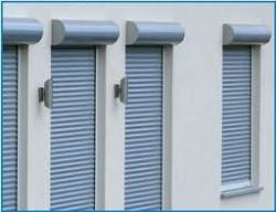Cassonetti ecofinestre serramenti e infissi in legno for Finestre pvc con tapparelle