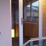 Porta d'ingresso in PVC bianco