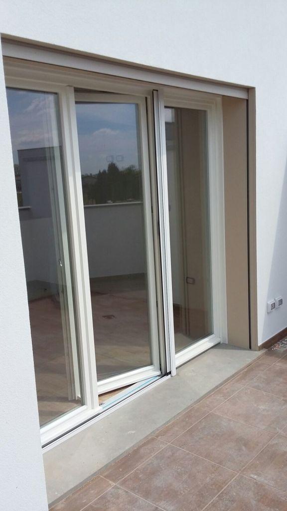 Le nostre realizzazioni ecofinestre serramenti e infissi for Porta finestra pvc