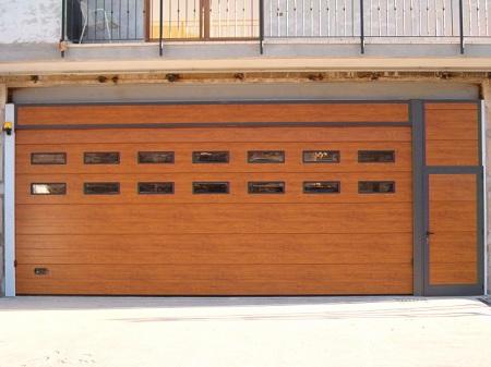 Portoni sezionali per garage  Ecofinestre Serramenti e infissi in legno, alluminio PVC - Verona