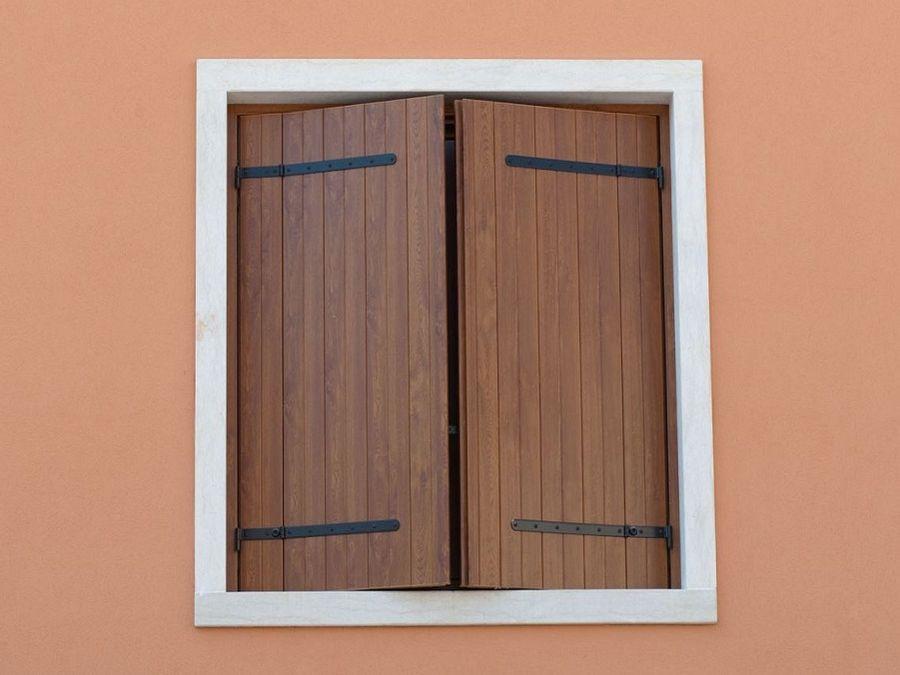 Scuretti in pvc ecofinestre serramenti e infissi in legno alluminio pvc verona - Finestre apertura alla francese ...